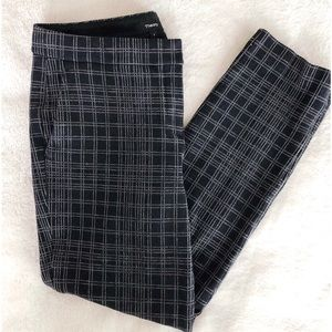 Theory Testra Structured Pants in Knit Pattern